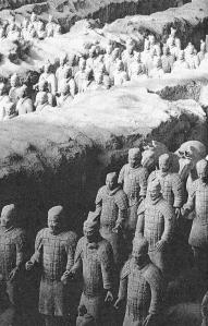 Teil der Terracotta-Armee (Quelle: Baumann, Weltkulturerbe, S. 74)